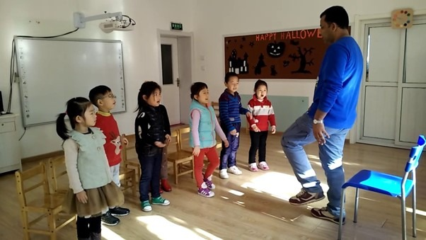 Playing games helps the students to get energy before the class