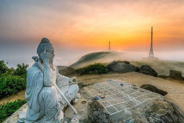 Ban Co Peak in Da Nang