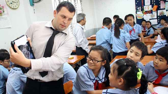 Escape the cold, move to Vietnam teaching English, get paid $2,200 ...