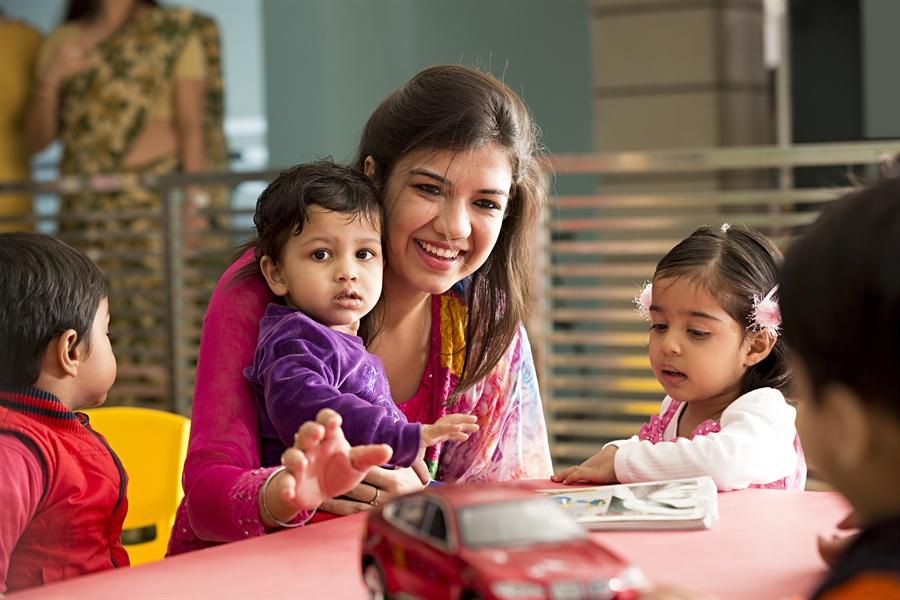 esl teachers with montessori teaching experience  native